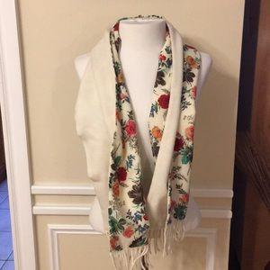 Simonetta Wool Scarf with Flowers